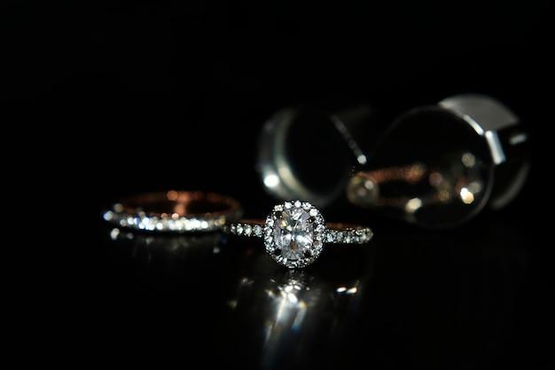 ジュエリーローズゴールド結婚指輪