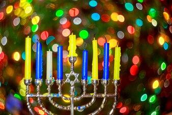 Еврейский праздник Ханука фон с меноры традиционными канделябрами