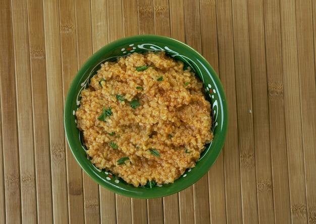 Джириш - кувейтский суп из треснувшей пшеницы.