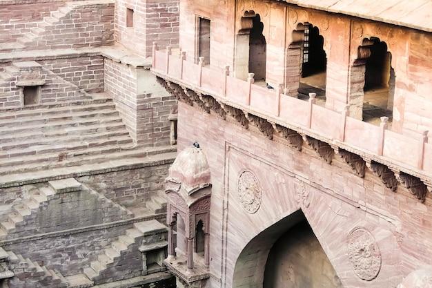 Джодхпур индия турджи ка джхалра ступенька в джодхпуре