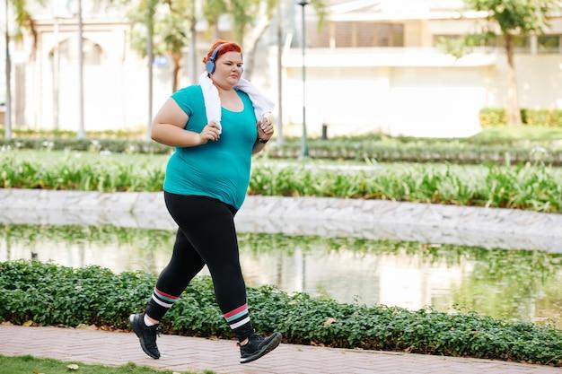 Jogging plus size woman