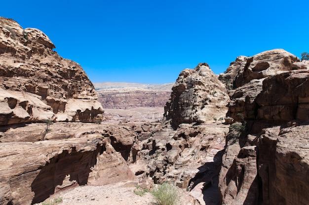 Иорданская пустыня в петре