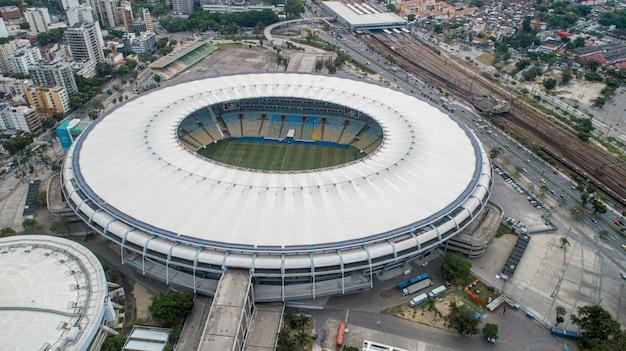 Аэрофотоснимок легендарного футбольного стадиона маракана (jornalista mario filho).
