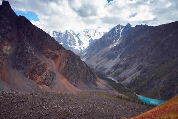 Journey on foot through the mountain valleys. beauty of wildlife
