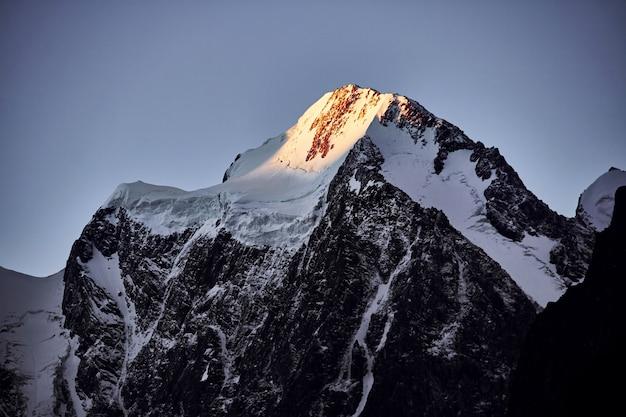 Journey on foot through the mountain valleys