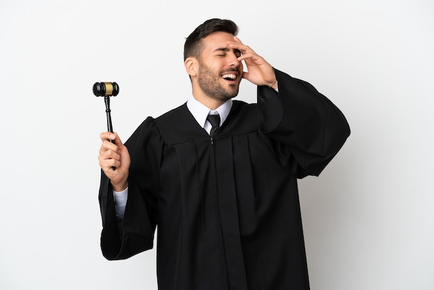 Судья кавказский человек, изолированные на белом фоне, много улыбаясь