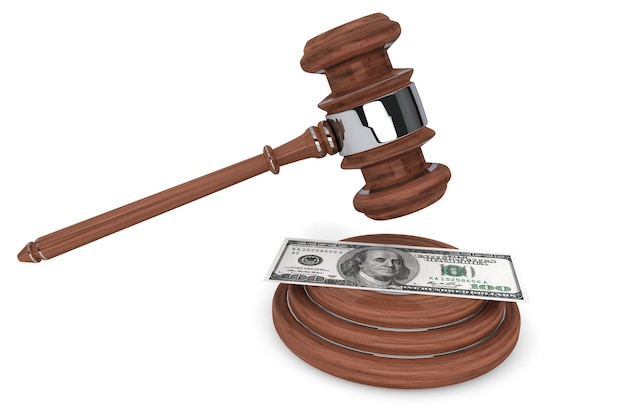 ガベル裁判官と白い背景に100ドル