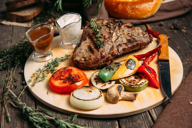 Juicy beef steak with grilled vegetables