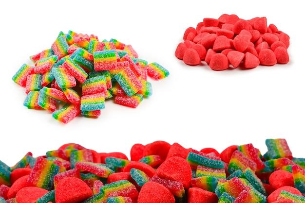 Сочные красочные конфеты желе, изолированные на белом. мармеладные конфеты. .