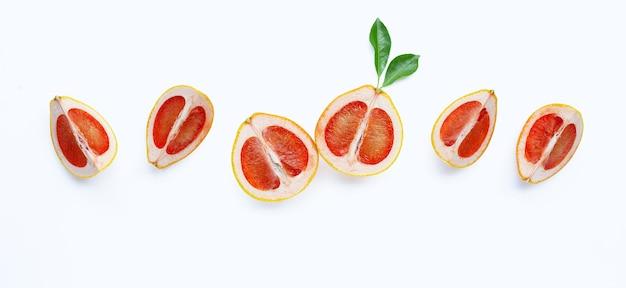 ジューシーなグレープフルーツのスライス。
