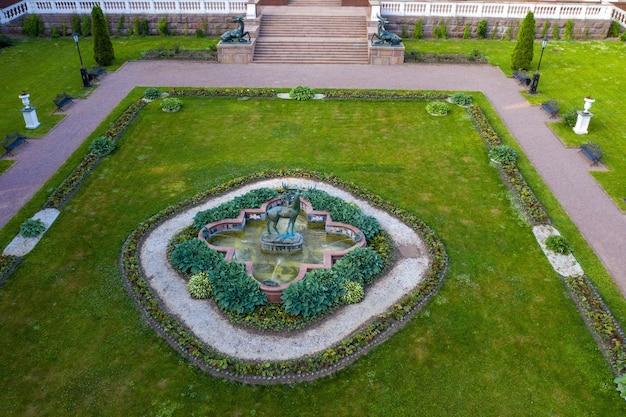 2019年6月3日、ロシアのモスクワ地方リヤロヴォのかつての高貴な邸宅は、パークホテルモロゾフカにあります。