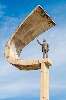 Памятник джуселину кубистчеку jk memorial в бразилиа, бразилия, 14 августа 2008 г.