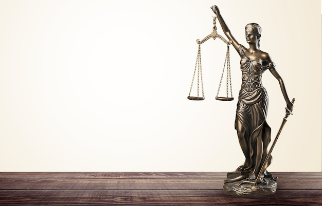 Весы правосудия и книги