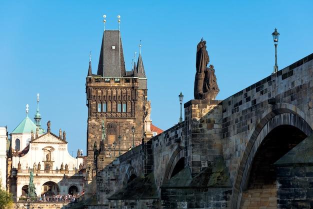 カレル橋(karluv most)、プラハ、チェコ共和国の眺め