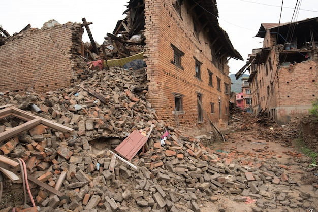 カトマンズネパール、大地震後に深刻な被害を受けた