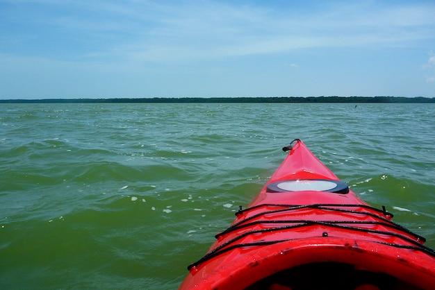 마라카이보 호수의 카약 보트 팁