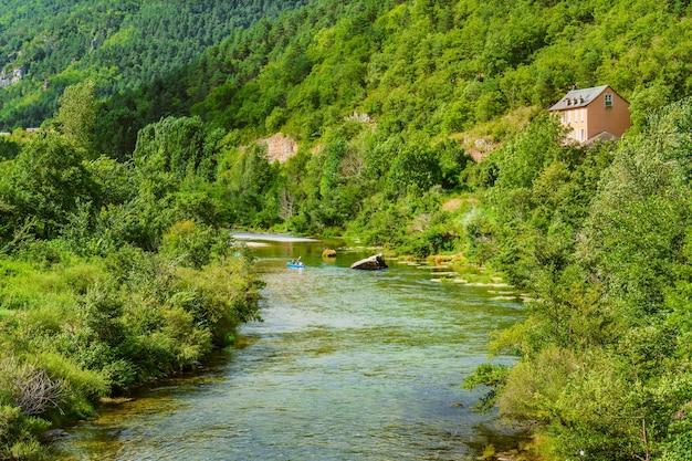 Gorges du tarn parc national des cvennes france에서 카약 타기