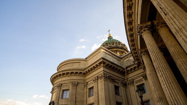 Казанский собор на невском проспекте солнце погода