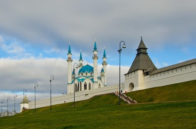 Kazan kremlin and kul-sharif mosque