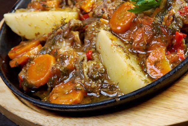 Kchuch-ジャガイモのラムシチューアルメニア料理