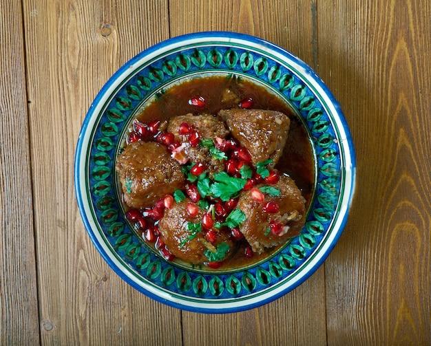Kebab karaz - sour cherry kabab. арабский особый вид шашлыка, который готовится из рубленого баранины и вишни.