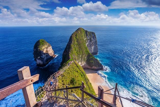 ヌサペニダ島、バリ州、インドネシアのケリンキングビーチ