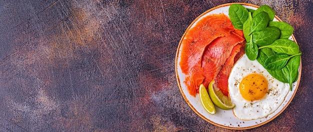 ケトジェニックダイエット食品、健康的な食事のコンセプト、上面図、コピースペース。