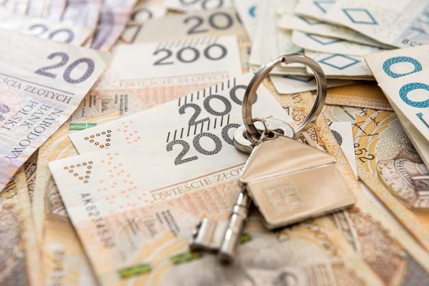 집 열쇠는 폴란드 돈으로, pln. 부동산 개념