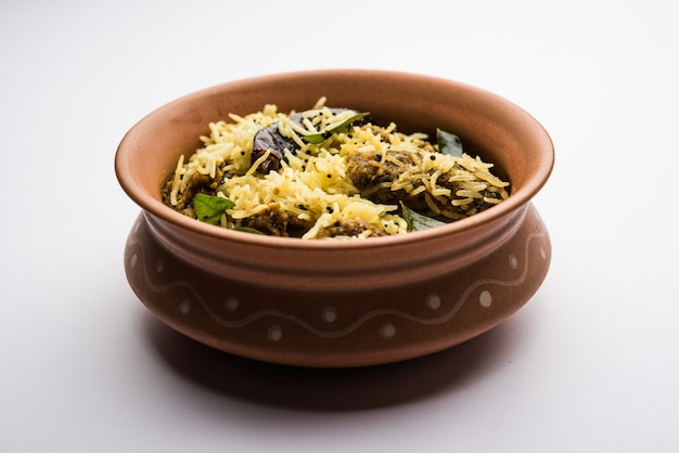Khaman gola bhat is a popular recipe from nagpur, vidarbha