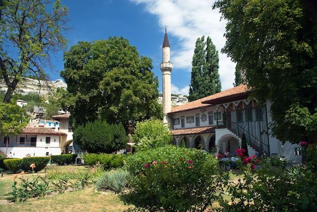 Bakhchisarai에 있는 칸의 궁전. 크리미아. 여름에 화창한 날