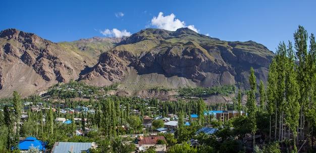 タジキスタン、パミール山脈のホログ市