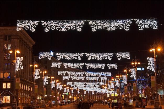 クリスマスのキエフのメインストリート、フレシチャーティク
