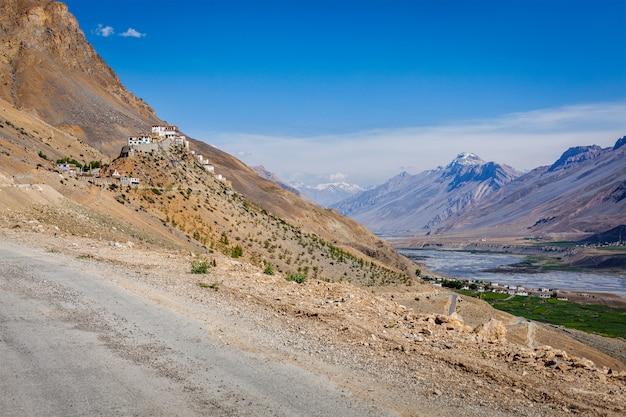 Ки монастырь. долина спити, индия
