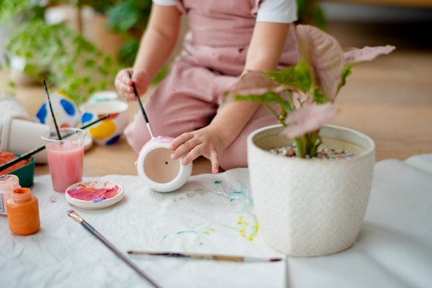 Kid diy pot painting hobby at home