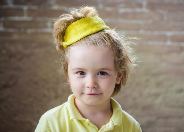 어린이 스포츠맨 건강 건강 피트니스 및 어린이를 위한 스포츠 스포츠 패션 귀여운 작은 챔피언 소년