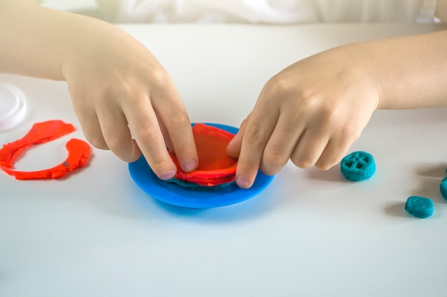 Детское творчество. пластилиновое моделирование для развития ребенка дома