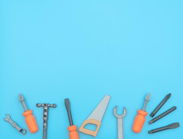 分離された作業ツールの子供たちのセット