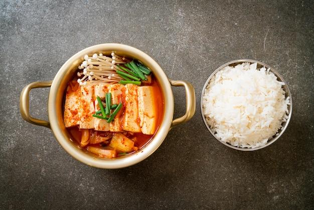 «кимчи ччигэ» или суп кимчи с мягким тофу