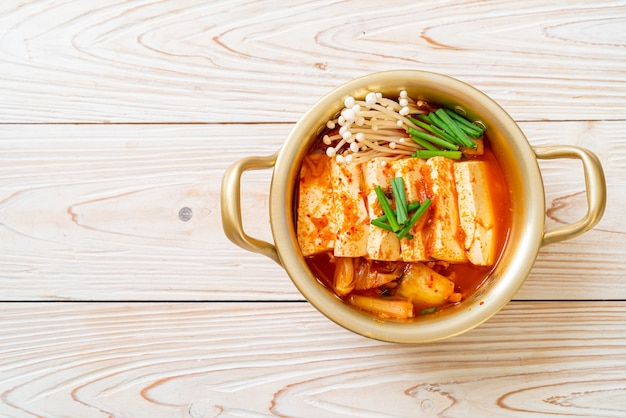 豆腐と卵のキムチスープ
