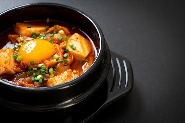 Kimchi soup with tofu and egg