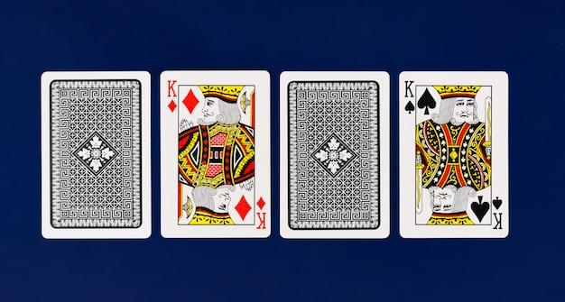 Полная колода игральных карт king на простом фоне для покера казино