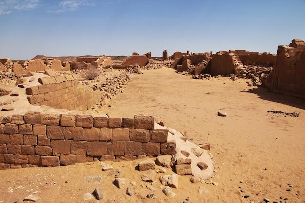 Kush 왕국 - 수단의 사하라 사막에 있는 사원 유적