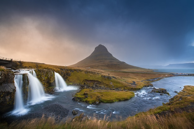 秋、アイスランドのkirkgufell山