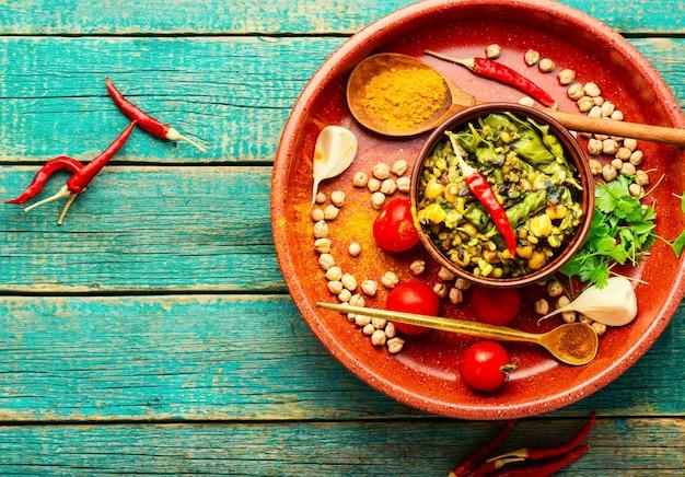 Китчари, острое вегетарианское блюдо