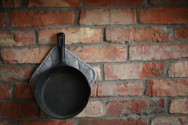 Посуда на стене