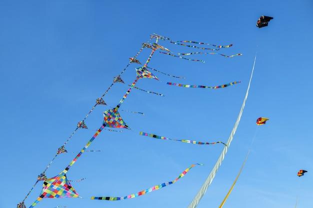 凧まつり。大西洋の空の凧