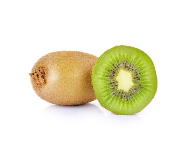 흰색 표면에 kivi 과일.