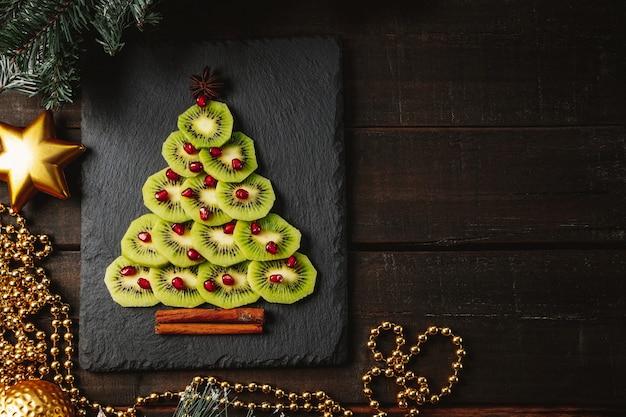Kiwi and pomegranate christmas tree
