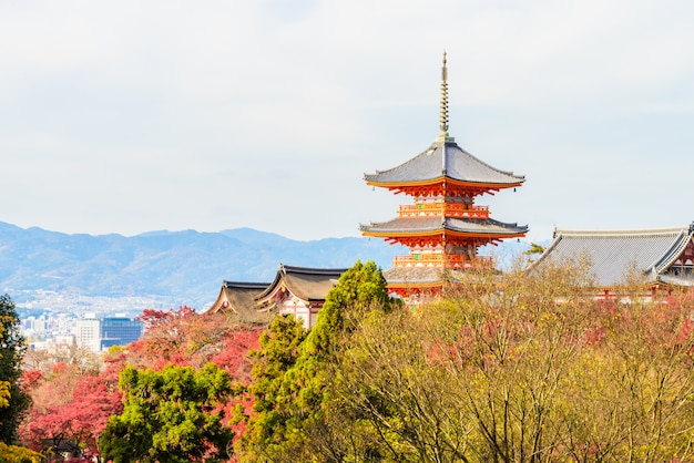 Kiyomizu dera temple in kyoto at japan