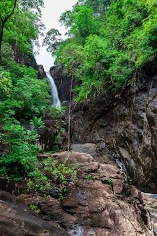 Klong plu waterfall, koh chang island